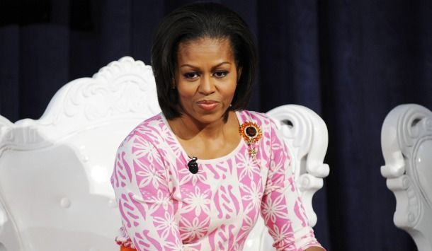 michelle obama sort un livre sur le jardinage et la cuisine. Black Bedroom Furniture Sets. Home Design Ideas